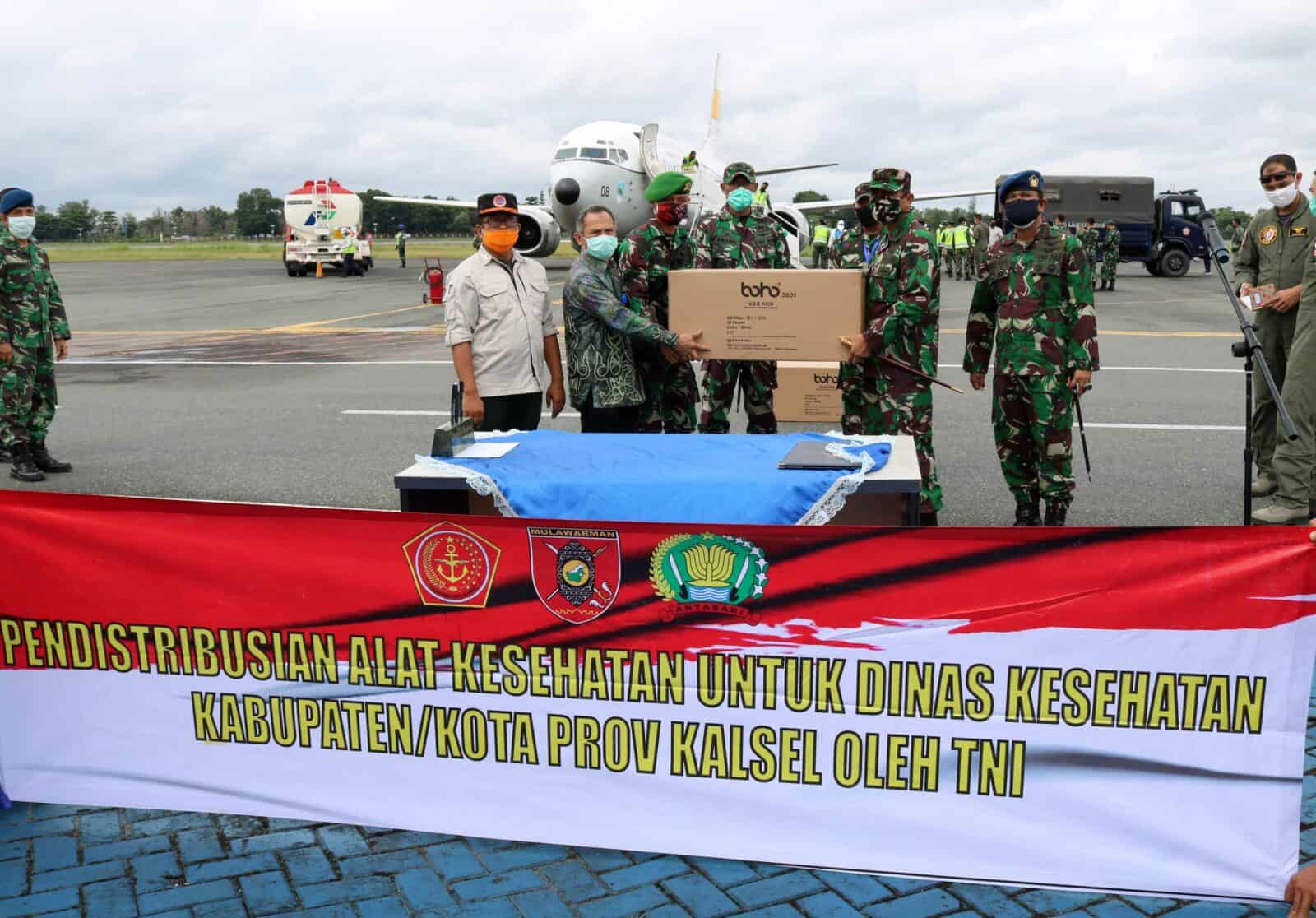 TNI AU Bantu Distribusikan Bantuan APD Dari Kemenkes RI Untuk Provinsi Kalimantan Selatan Tahap Kelima