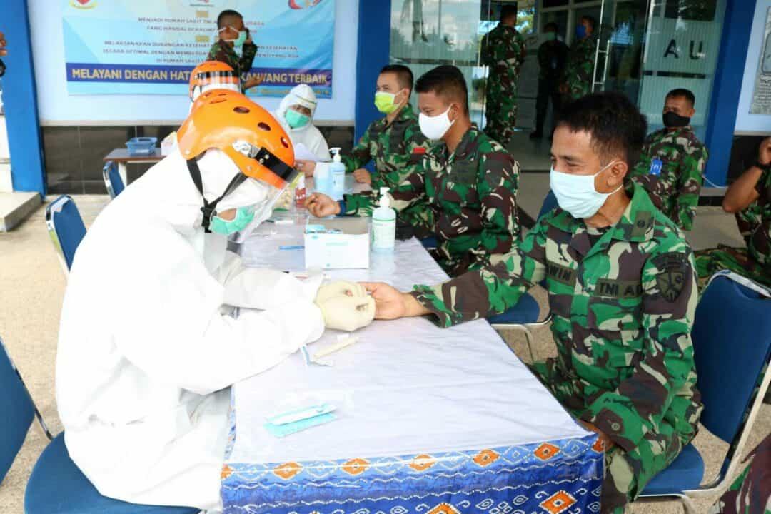 Cegah Penyebaran Covid-19 Lanud Sjamsudin Noor Laksanakan Rapid Test