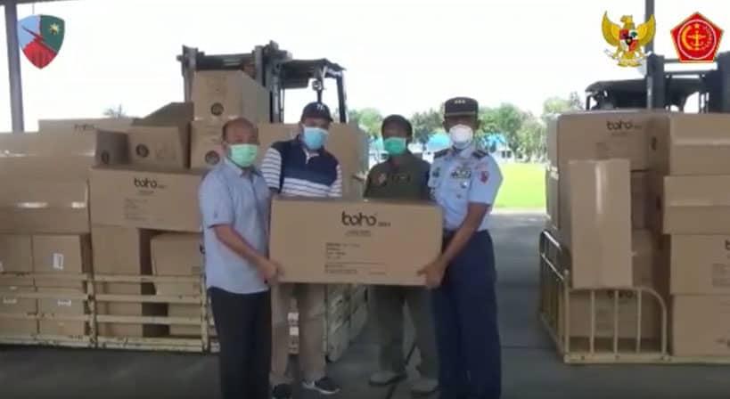 Pendistribusian APD dan Masker Wilayah Sumatra Utara di Lanud Soewondo-Medan