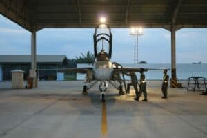 Tiga Skadron Udara Tempur Lanud Iswahjudi Latihan Pertempuran Udara Malam Hari