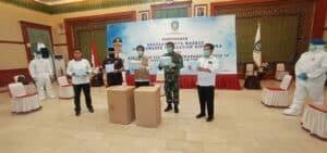 PENGIRIMAN BANTUAN ALAT MEDIS SINGAPURA KE INDONESIA DI PAYA LEBAR