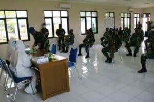 Sebanyak Tiga Puluh Sembilan Personel Lanud Sugiri Sukani Melaksanakan Rapid Test Covid-19