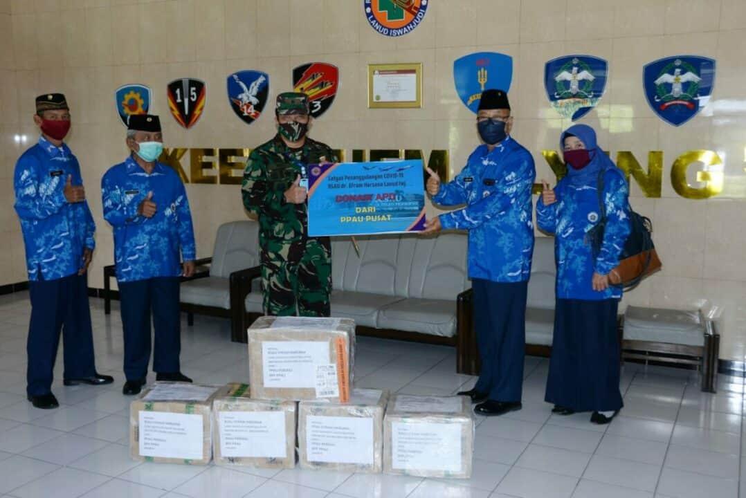 PPAU Pusat Donasikan APD bagi RSAU dr. Efram Harsana, Lanud Iswahjudi