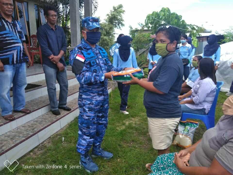 "Lanud Dominicus Dumatubun ""Peduli Dampak Sosisal Covid19″di Kabupaten Malra"