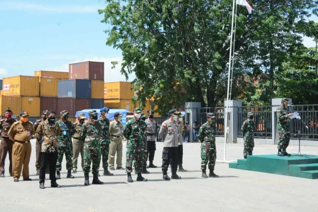 Komandan Lanud Sjamsudin Noor Hadiri Upacara Pemberangkatan Satgas Yonif 623/BWU Dalam Rangka Pamtas Darat RI – Malaysia Tahun Anggaran 2020