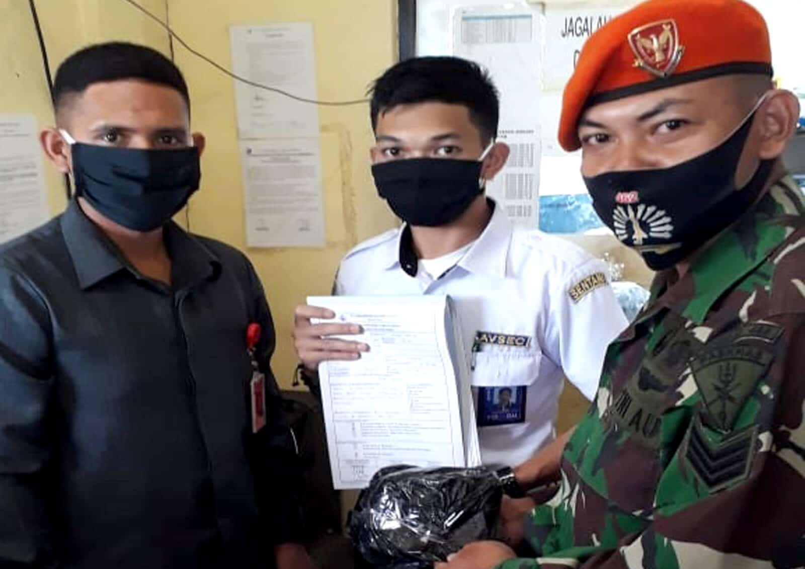 Satgas Pamrahwan Yonko 462 Paskhas Gagalkan Pengiriman Ganja di Bandara Sentani