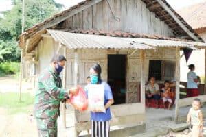 Donasi Sembako dan Edukasi Pencegahan Covid-19 oleh Anggota Lanud Pangeran M. Bun Yamin