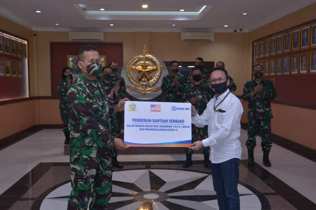 BRI Kantor Cabang Kalimalang Serahkan Bantuan Sembako Untuk Kohanudnas