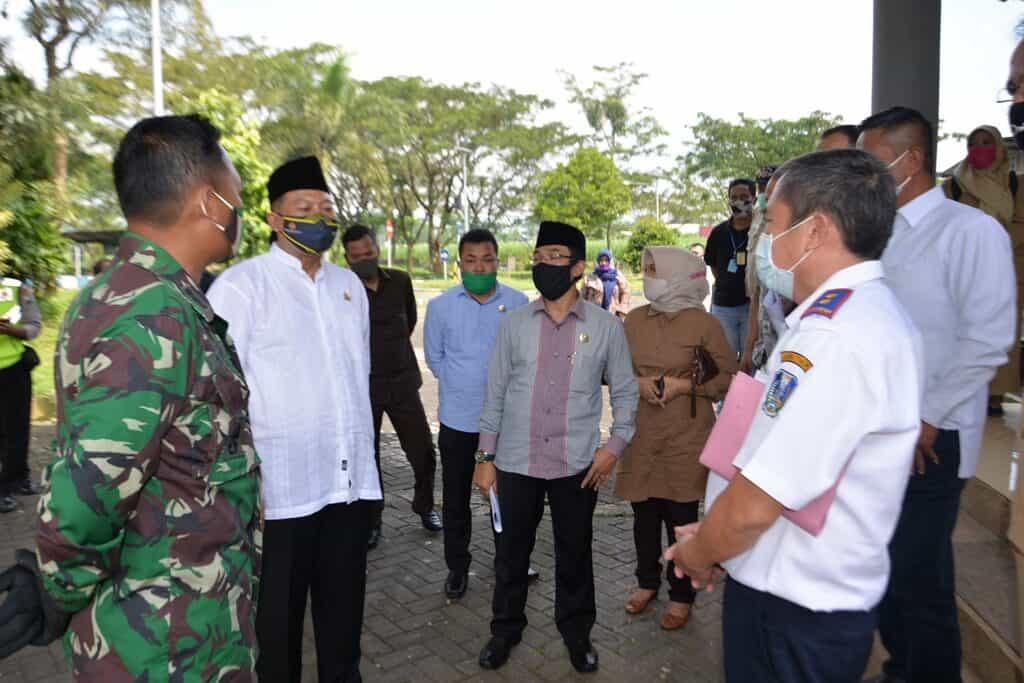 Kadisops Lanud Abd Saleh Dampingi Ketua DPRD Kabupaten Malang Tinjau Check Point Bandara Abd Saleh