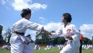 Taruna AAU Tingkatkan Kemampuan Bela Diri Dengan Berlatih Karate