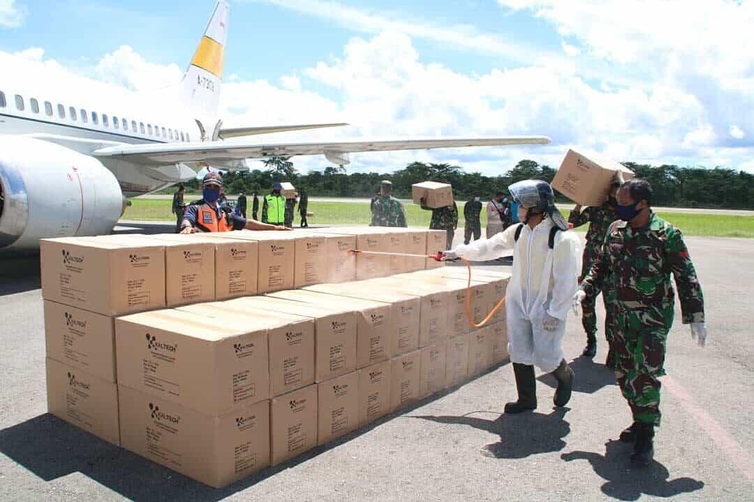 Menggunakan Pesawat TNI AU Kembali Mengirim Bantuan Alkes ke Sulawesi Tenggara