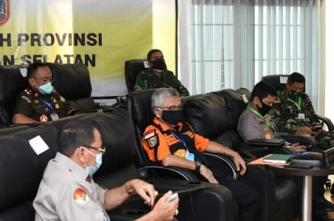 Komandan Lanud Sjamsudin Noor Beserta Unsur Forkopimda Kalsel Ikuti Vicon Bersama Menkopolhukam Bahas Penegakan Protokol Kesehatan