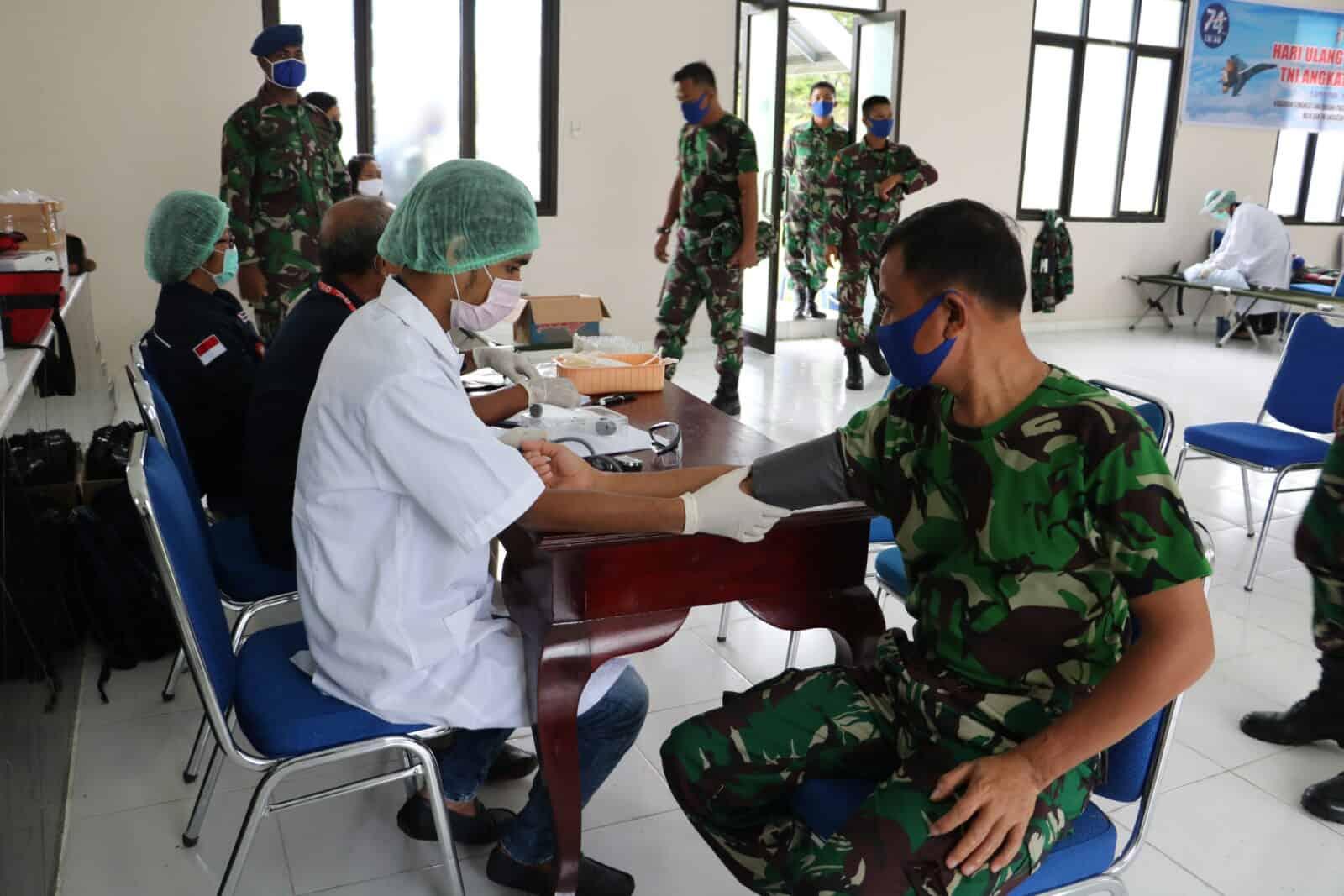 Lanud Pattimura Gelar Donor Darah Dalam Peringati HUT Ke-74 TNI AU