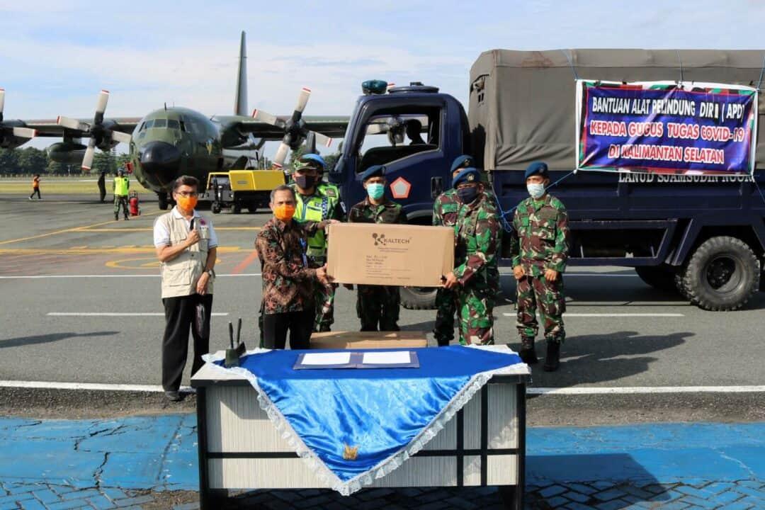 Hercules TNI AU Kembali Angkut Bantuan APD Dari Kemenkes RI di Tahap Kesebelas Untuk Mendukung Percepatan Penanganan Covid-19 di Wilayah Kalimantan Selatan