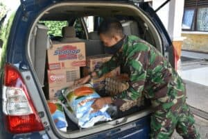 Lanud RHF Berikan Tali Asih Kepada Anak Yatim dan Panti Jompo