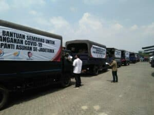 Pangkoopsau I Bersama Menteri BUMN Lepas Penyaluran Bantuan Sembako Untuk 1000 Panti Asuhan Se-Jadetabek