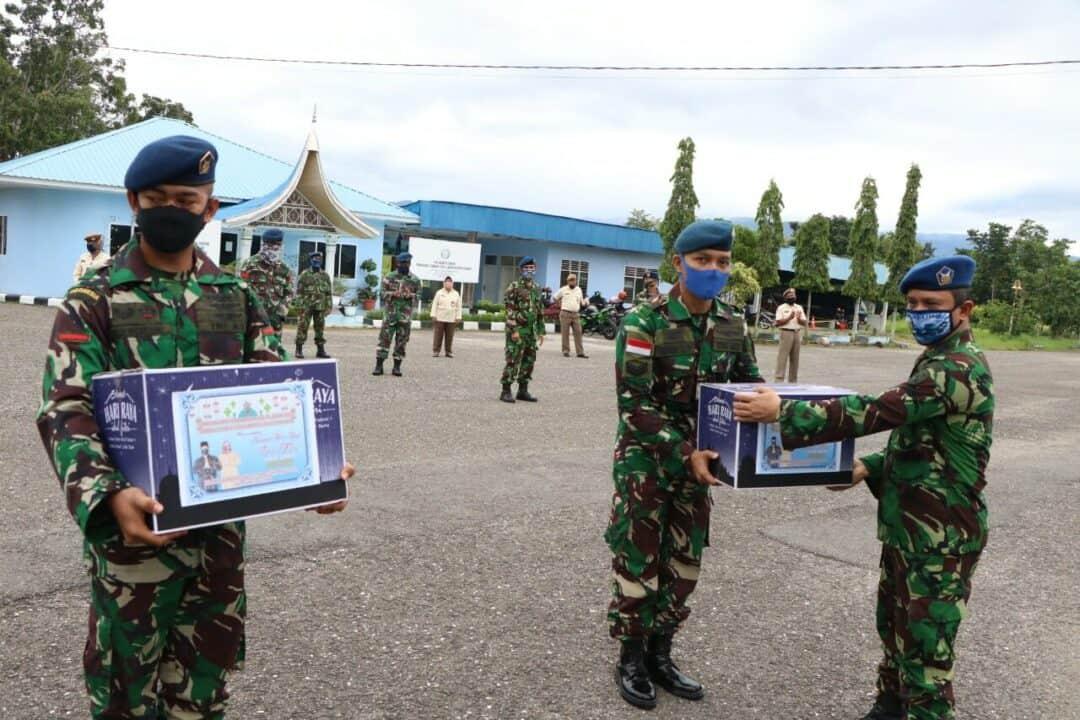 Komandan Lanud Sutan Sjahrir Bagikan Sembako