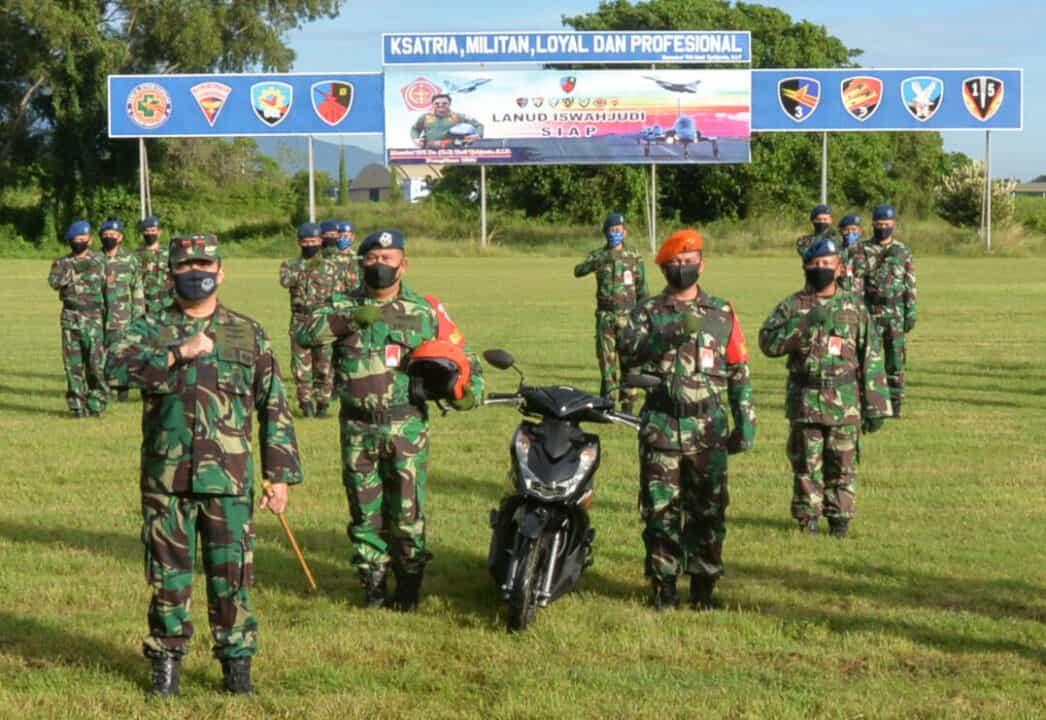 Danlanud Iswahjudi Kukuhkan dan Serahkan Kendaraan Operasional Bintara Pembina Angkasa