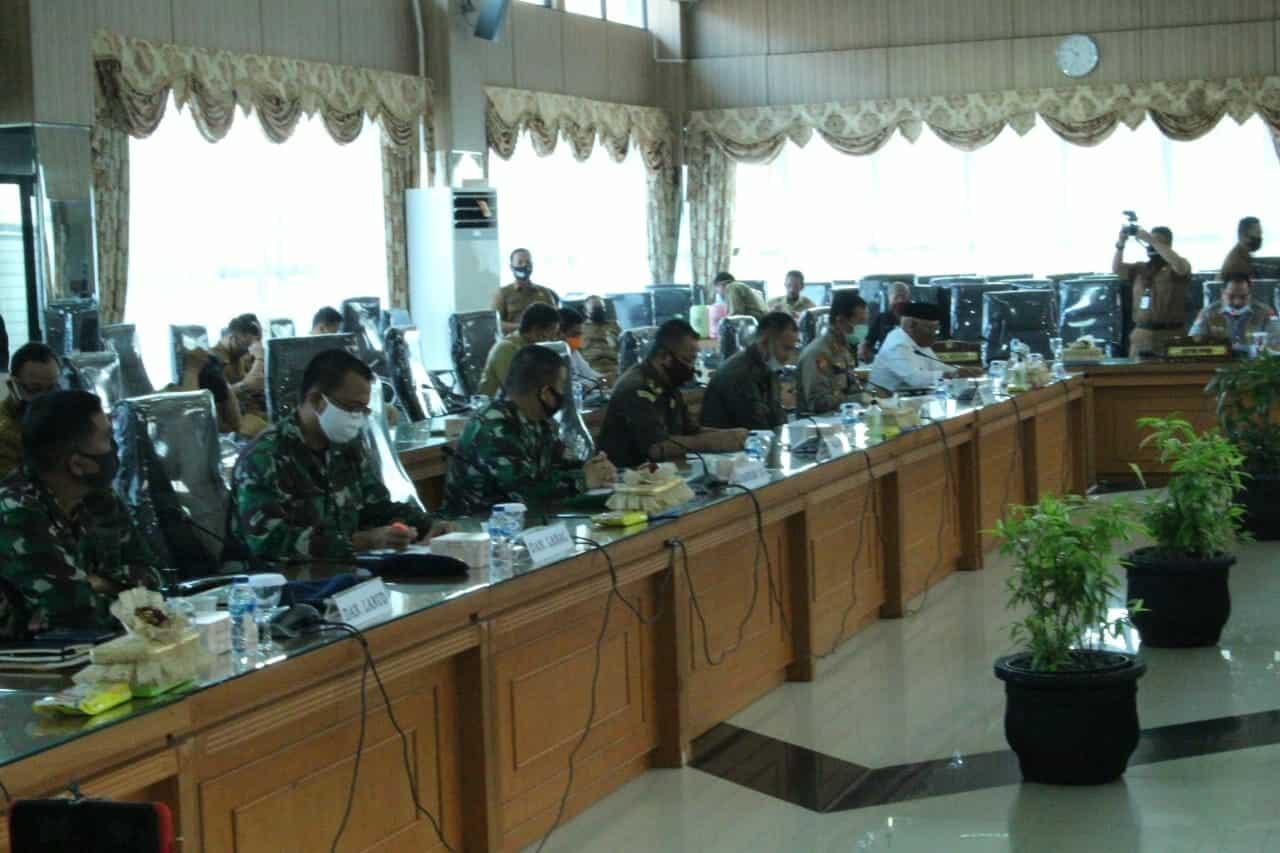Komandan Lanud Sjamsudin Noor Hadiri Rapat di DPRD Kalimantan Selatan