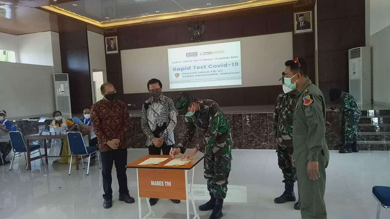 RSAU Dody Sardjoto Lanud Sultan Hasanuddin Bekerjasama dengan RS Siloam Makassar beserta Pengembang Tanjung Bunga Adakan Rapid Test Covid-19