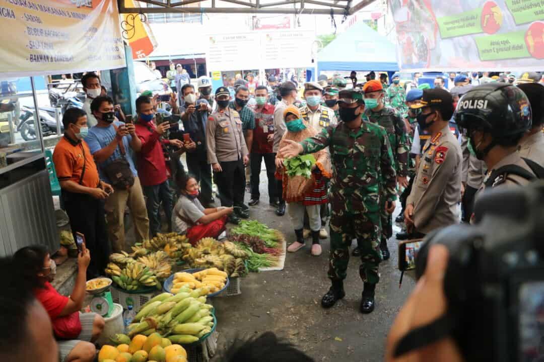 Panglima TNI Dan Kapolri Tinjau Penerapan Disiplin Covid-19 Dan Karhutla