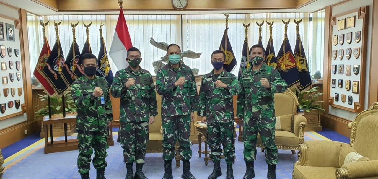 PILOT PENGUJI PTDI Kasau: Mereka Aset Penting TNI AU