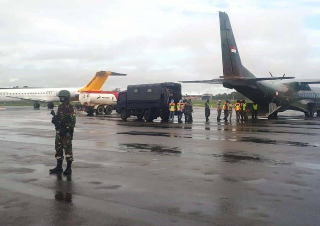 Satgas Pamrahwan Yonko 462 Paskhas Melaksanakan Pengamanan Kuker Pangkoopsau III