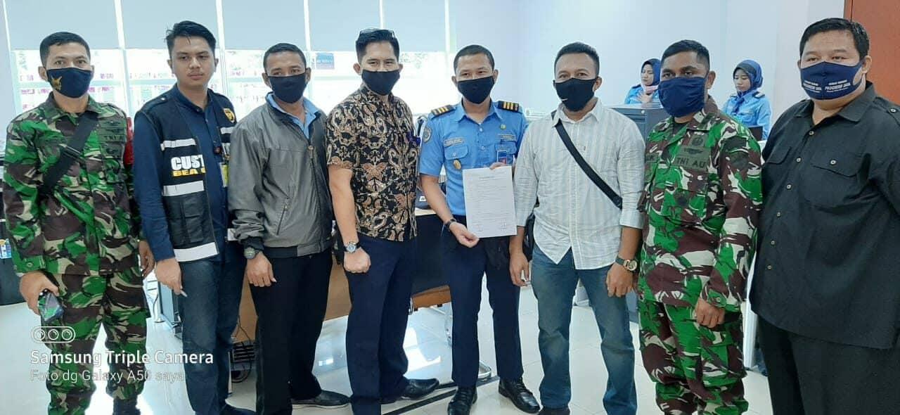 BKO Lanud Rsn Bersama Avsek Bandara SSK II Gagalkan Penyeludupan Narkoba