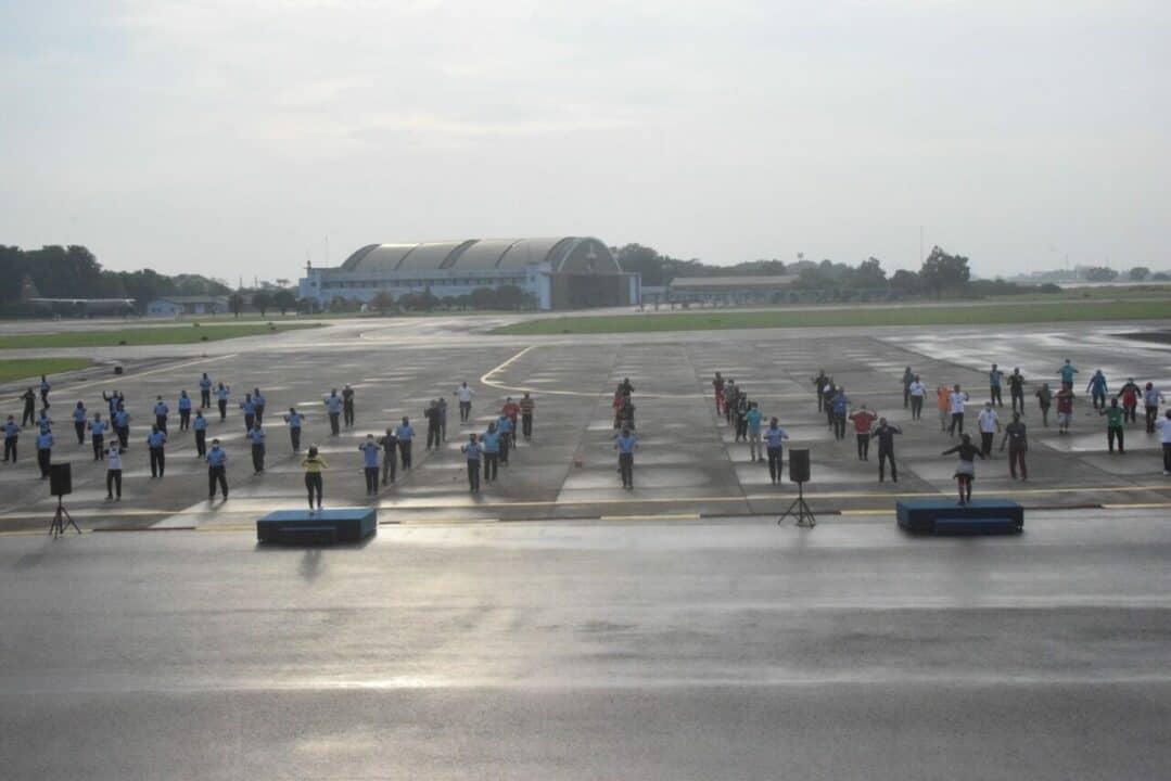 Terapkan Protokol Kesehatan, Lanud Halim dan Pimpinan Operator Bandara Senam Bersama