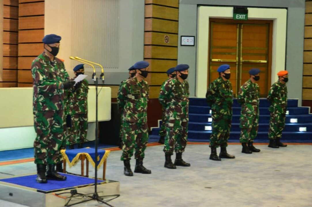 Pemberian Penghargaan oleh Kepala Staf Angkatan Udara