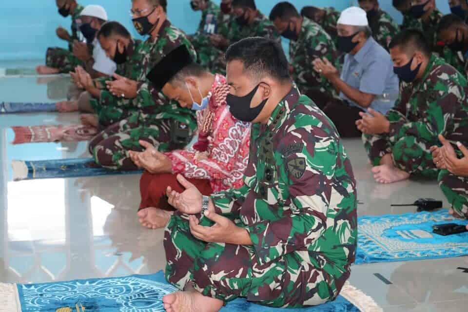 Lanud Dhomber Gelar Doa Bersama untuk Terlaksananya Keselamatan Terbang dan Kerja