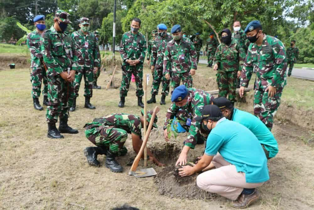 Lanud Adi Soemarmo dan KPH Surakarta Adakan Penghijauan