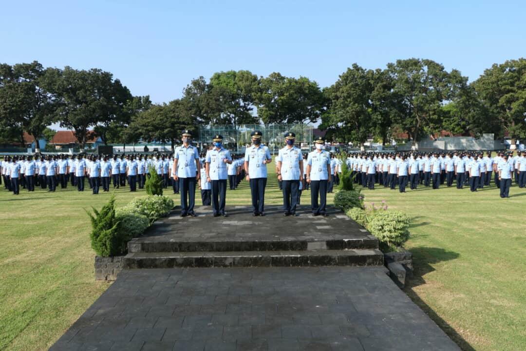 Dengan Menerapkan Protokol Kesehatan, Komandan Lanud Adi Soemarmo menutup Setukba TNI AU Angkatan ke-36