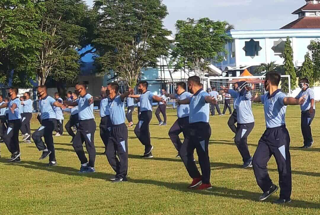 Jaga Kebugaran Cegah COVID-19, Anggota Lanud Dhomber Laksanakan Senam Bersama Indonesia Sehat