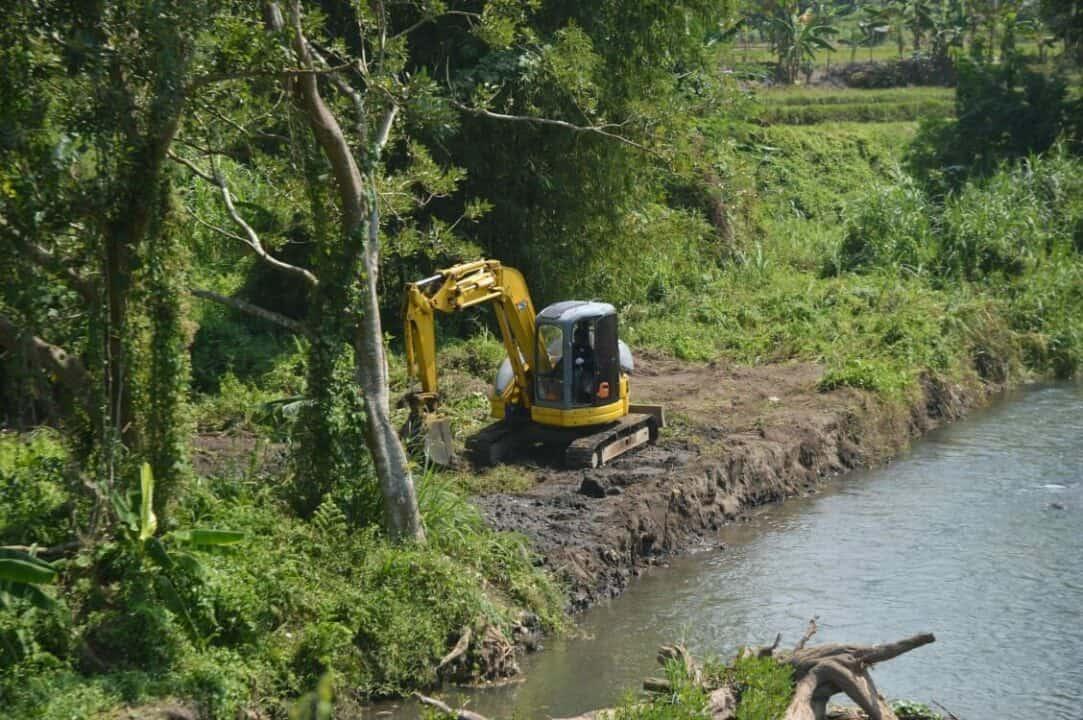 Tingkatkan kebersihan, Lanud Adisutjipto Laksanakan Pembersihan Sungai