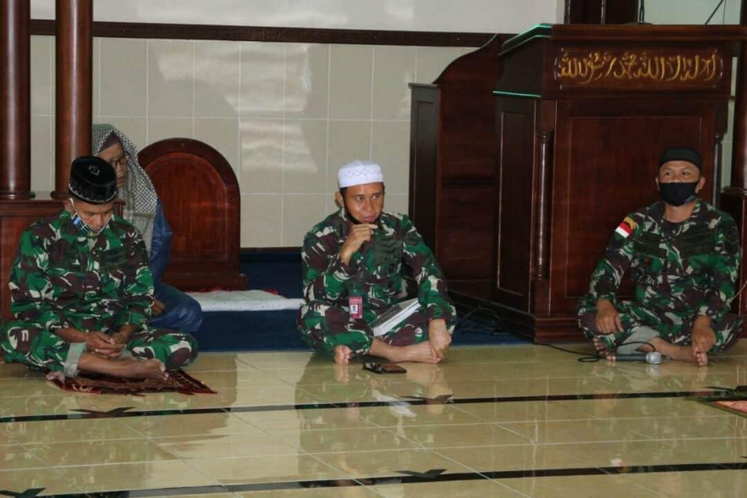 Personel Lanud Pattimura Doa Bersama Guna Percepat Penanganan Covid-19