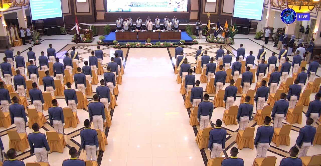 KASAU WISUDA 106 SARJANA TARUNA AKADEMI ANGKATAN UDARA TAHUN 2020