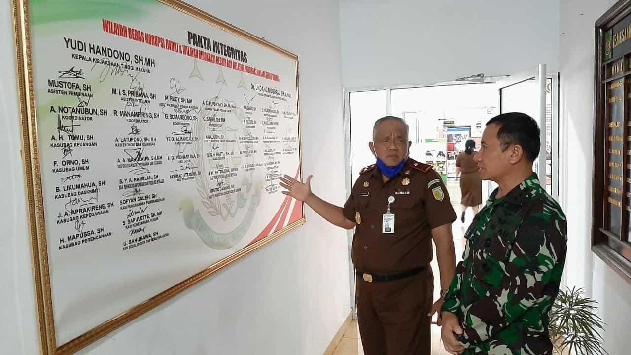 Menuju Wilayah Bebas Korupsi, Danlanud Pattimura Kunjungi Kajati Maluku