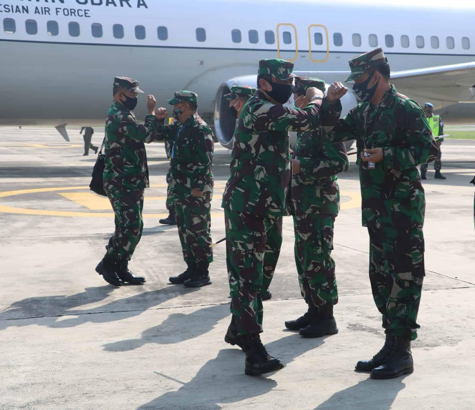 Danlanud Muljono Menyambut Pangkogabwilhan II Di Lanudal Juanda Surabaya