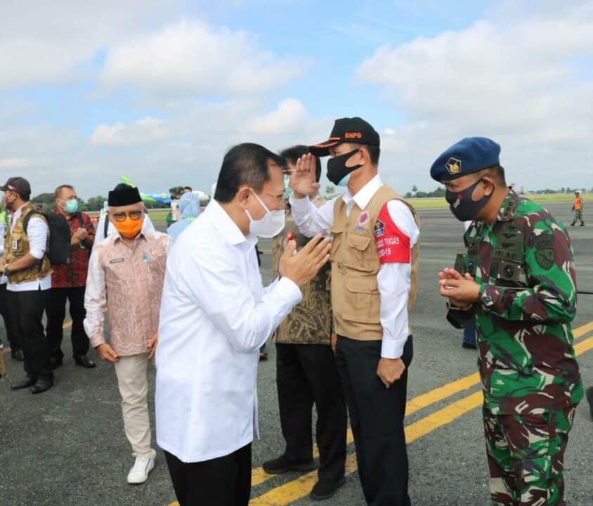 Kedatangan Menteri Kesehatan, Menteri PMK dan Kepala BNPB Disambut Jajaran Forkompimda di Kalimantan Selatan