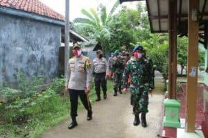 Komandan Lanud Sugiri Sukani, melaksanakan Kegiatan Baksos TNI-Polri Dalam Rangka Peduli Covid-19