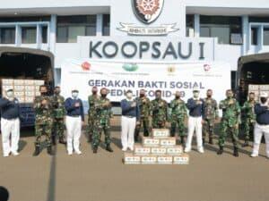 Pangkoopsau I menerima secara simbolis bantuan 1000 paket sembako untuk warga terdampak Covid-19 dari Buddha Tzu Chi Indonesia