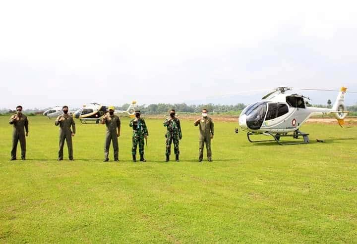 PESAWAT TNI AU EC 120 B COLIBRI LAKSANAKAN LATIHAN TERBANG NAVEX DI LANUD J.B. SOEDIRMAN