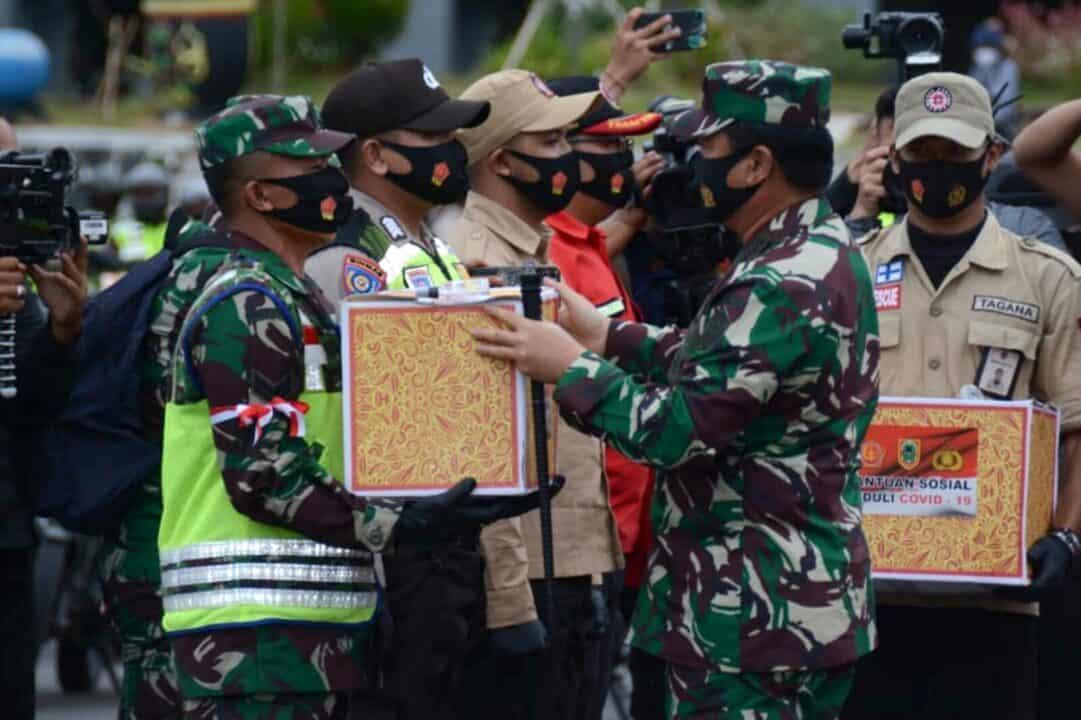 Panglima TNI Lepas Ratusan Babinsa dan Bhabinkamtibmas Pada Bhakti Sosial Peduli Covid-19 di Wilayah Kalimantan Selatan
