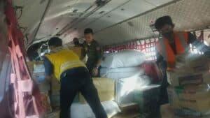 Pesawat CN-295 A-2907 TNI AU Distribusikan Bansos Untuk Korban Banjir Masamba Luwu Utara