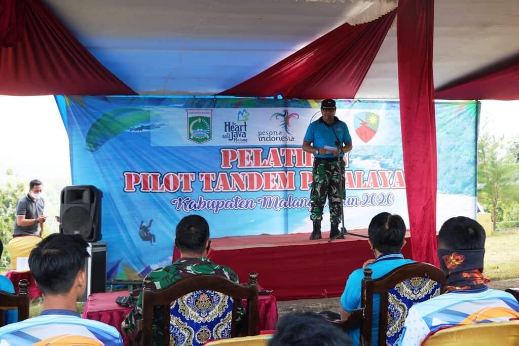 Sinergitas Lanud Abd Saleh dan Disparbud Pemkab Malang dalam Pelatihan Paralayang