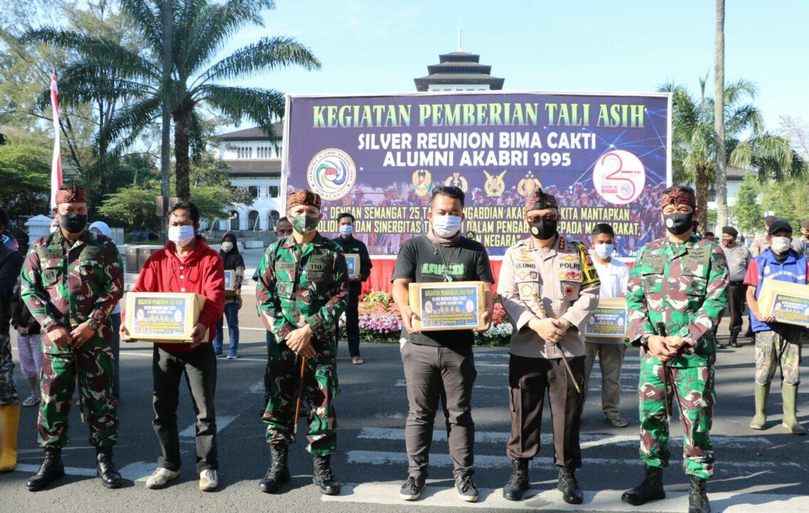 """ Silver reunion Bima Cakti Alumni Akabri 1995"" dipenuhi kegiatan sosial"