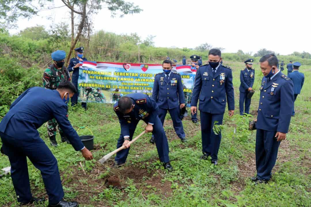 Lanud Wiriadinata LaksanakanPenanaman Pohon Sukun Secara Serentak