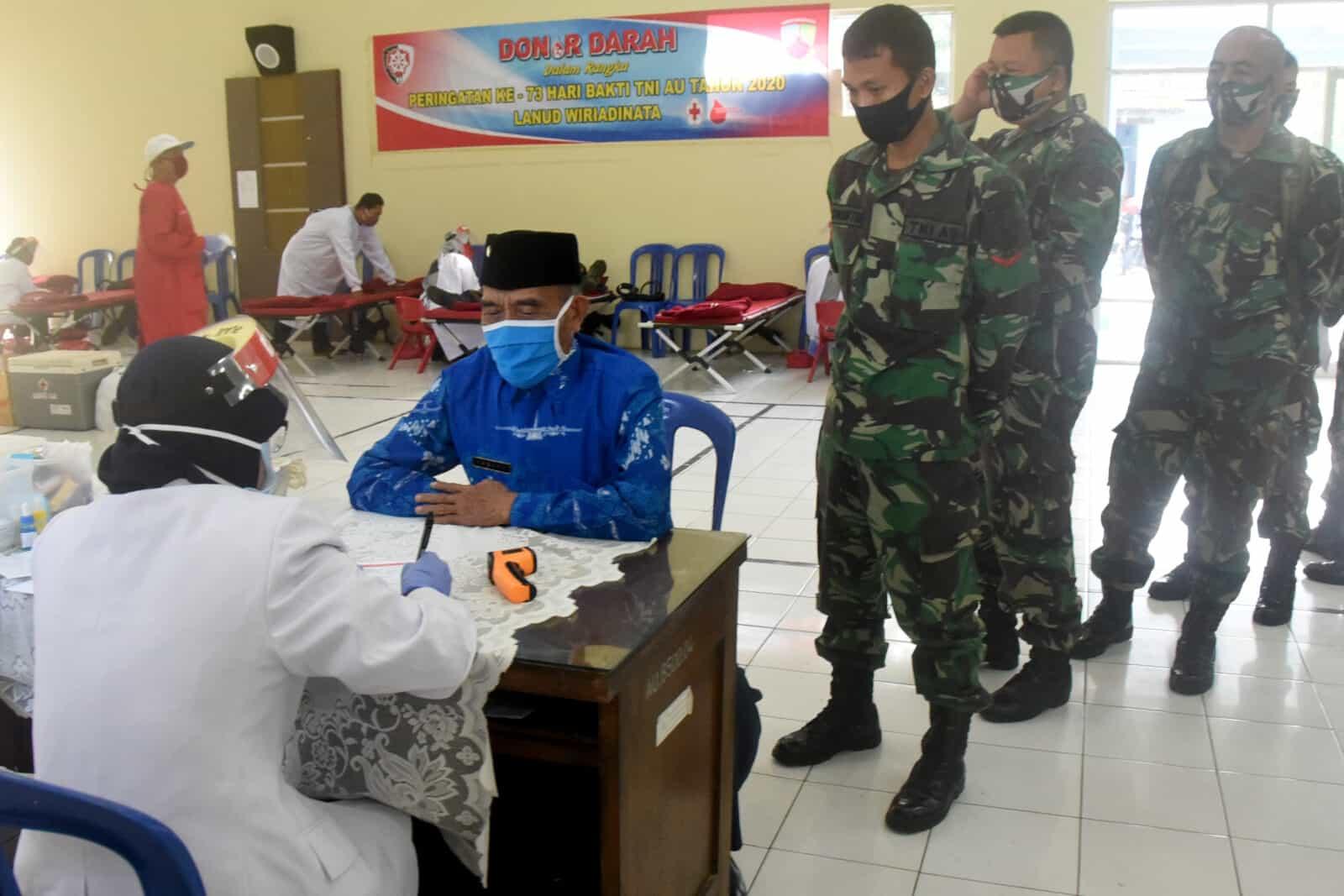 Donor Darah Peringatan Ke-73 Hari Bakti TNI AU di Lanud Wiriadinata