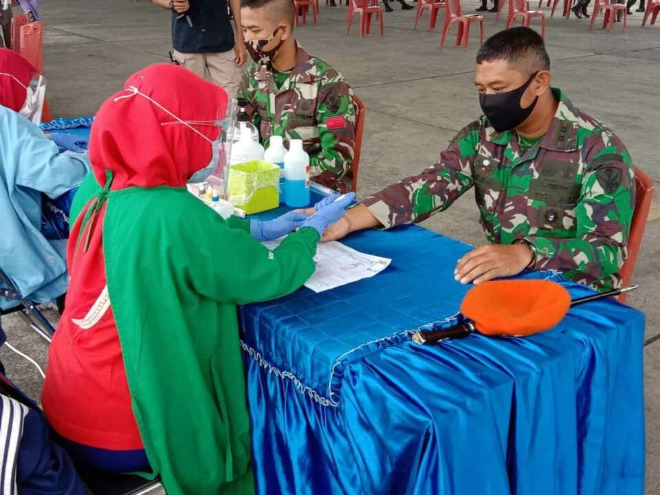 Dalam Rangka Memperingati Hari Bakti TNI AU ke-73, Wing III Paskhas dan Batalyon Komando 469 Paskhas ikut serta dalam kegiatan donor darah.